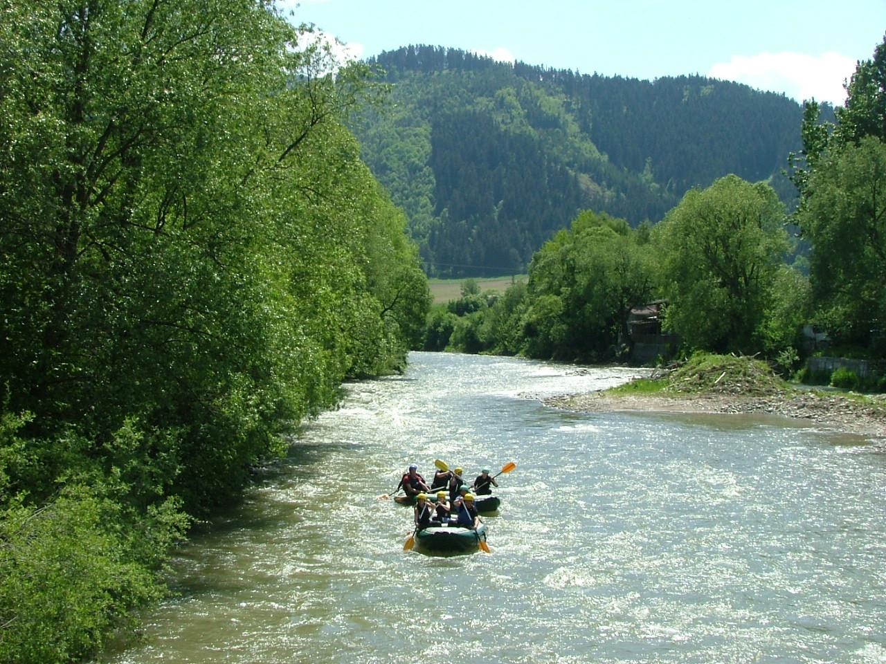 splav rieky Vah